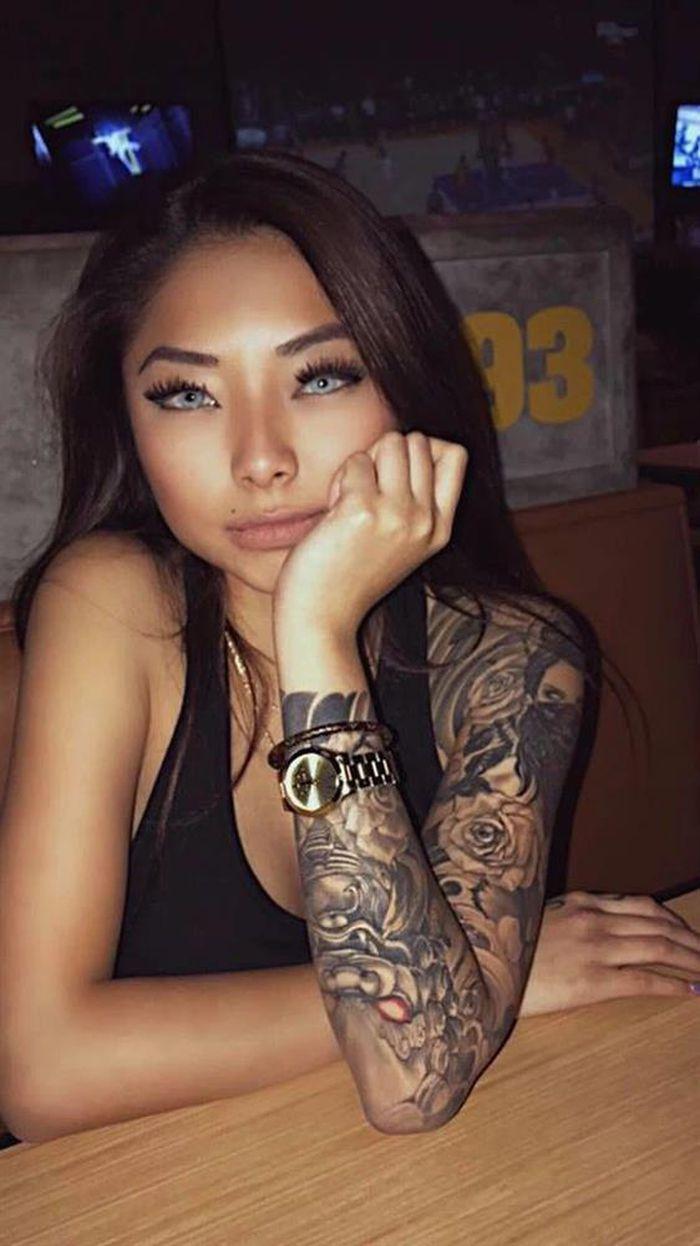 Soi hình xăm 'chất lừ' Cassie Trinh Võ, người mẫu ảnh kiêm tình cũ Binz - ảnh 1