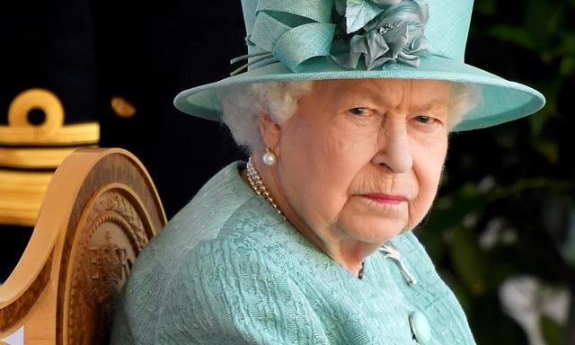 Hoàng tử Harry có thái độ thiếu tôn trọng và đây là phản ứng của Nữ hoàng Anh - ảnh 1