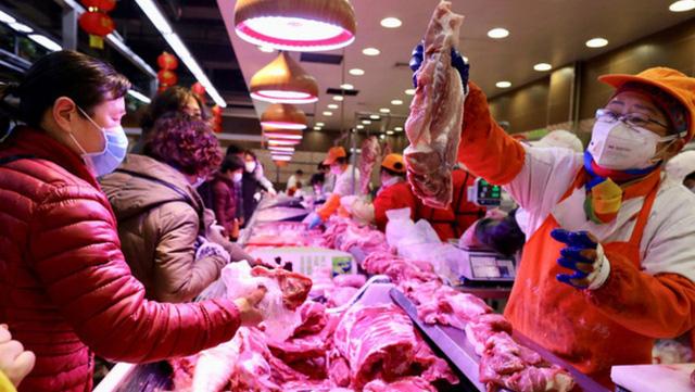 Trung Quốc cảnh báo các hộ nuôi lợn không đánh cược vào thị trường