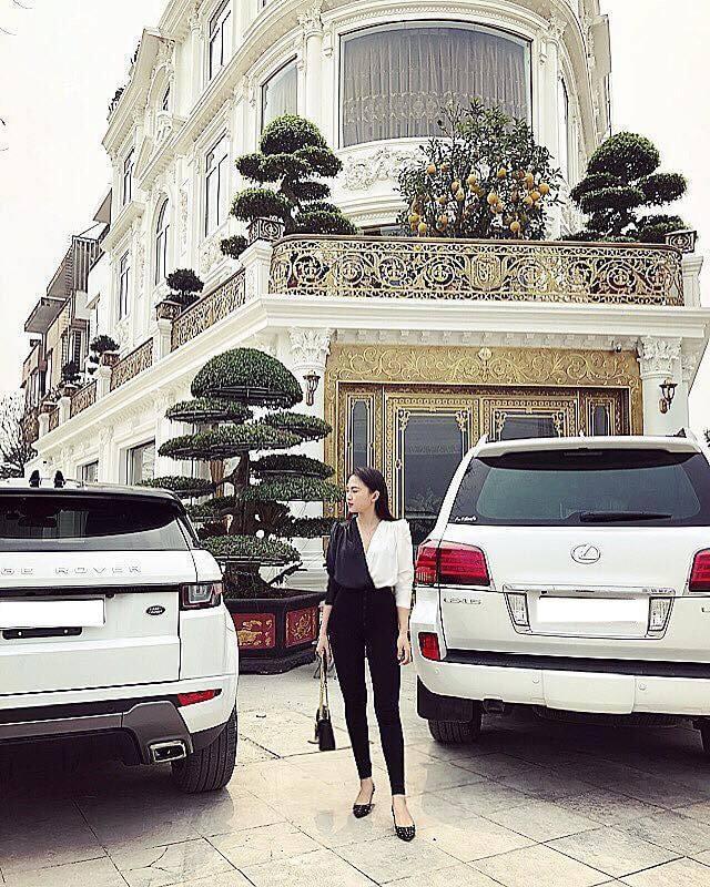 Cận cảnh căn biệt phủ của Hoa khôi báo chí Vũ Phương Anh
