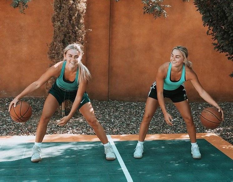 Chị em sinh đôi là ngôi sao bóng rổ ở Mỹ