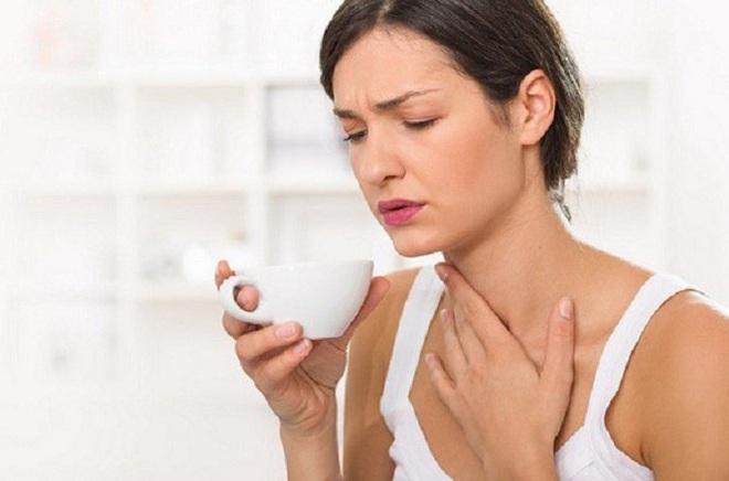 Các triệu chứng cảnh báo ung thư vòm họng - ảnh 1
