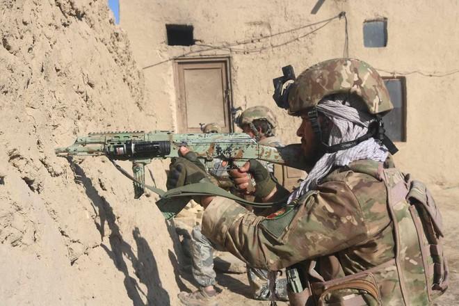 Giao tranh ác liệt tại Afghanistan, ít nhất 20 người chết