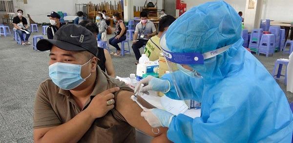 1 tháng sau tiêm vắc xin Covid-19: Dấu hiệu nào bạn cần lưu ý?