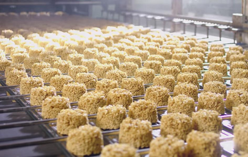 Tại sao mì ăn liền có thể bảo quản lâu, loại dầu mà mì Hảo Hảo được dùng để chiên mì có phải nguyên do tạo nên màu vàng?