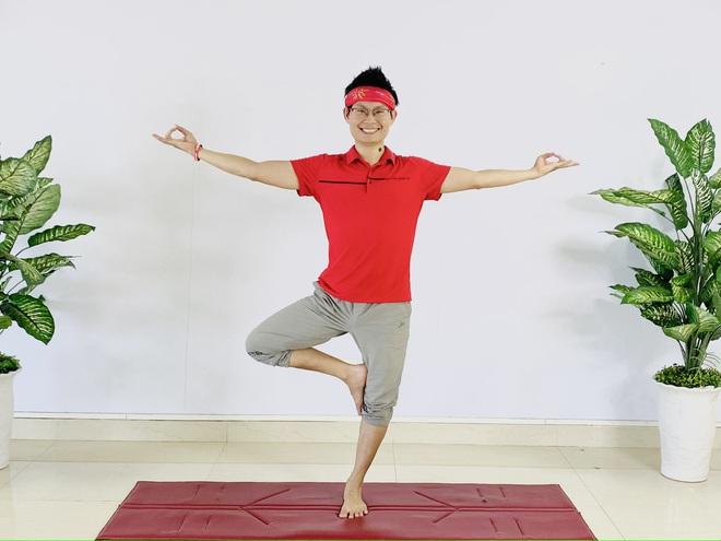 Lớp dạy yoga miễn phí mùa dịch thu hút hàng ngàn người tham gia
