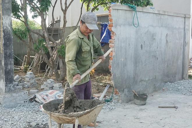 Nghệ An: Phụ hồ, bốc vác được nhận hỗ trợ theo Nghị quyết 68