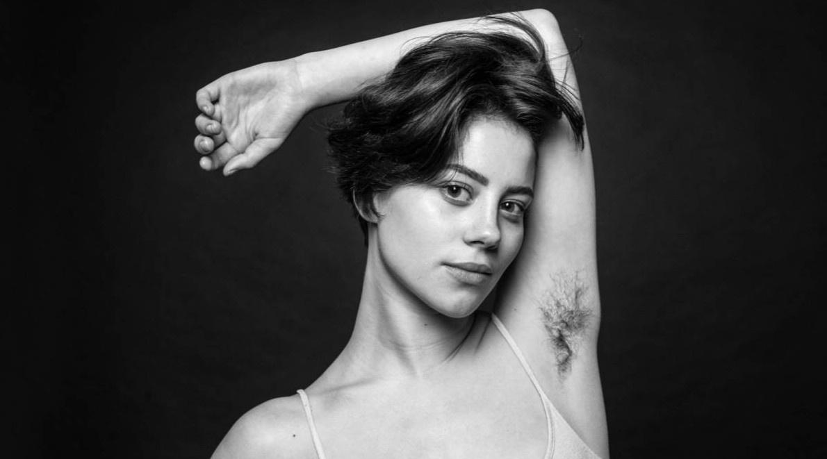 Sự kỳ thị dai dẳng đối với lông trên cơ thể phụ nữ