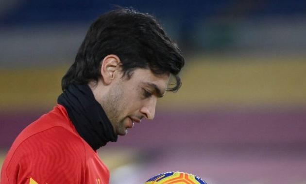 Bị Mourinho thanh trừng, sao Roma lên tiếng trách móc