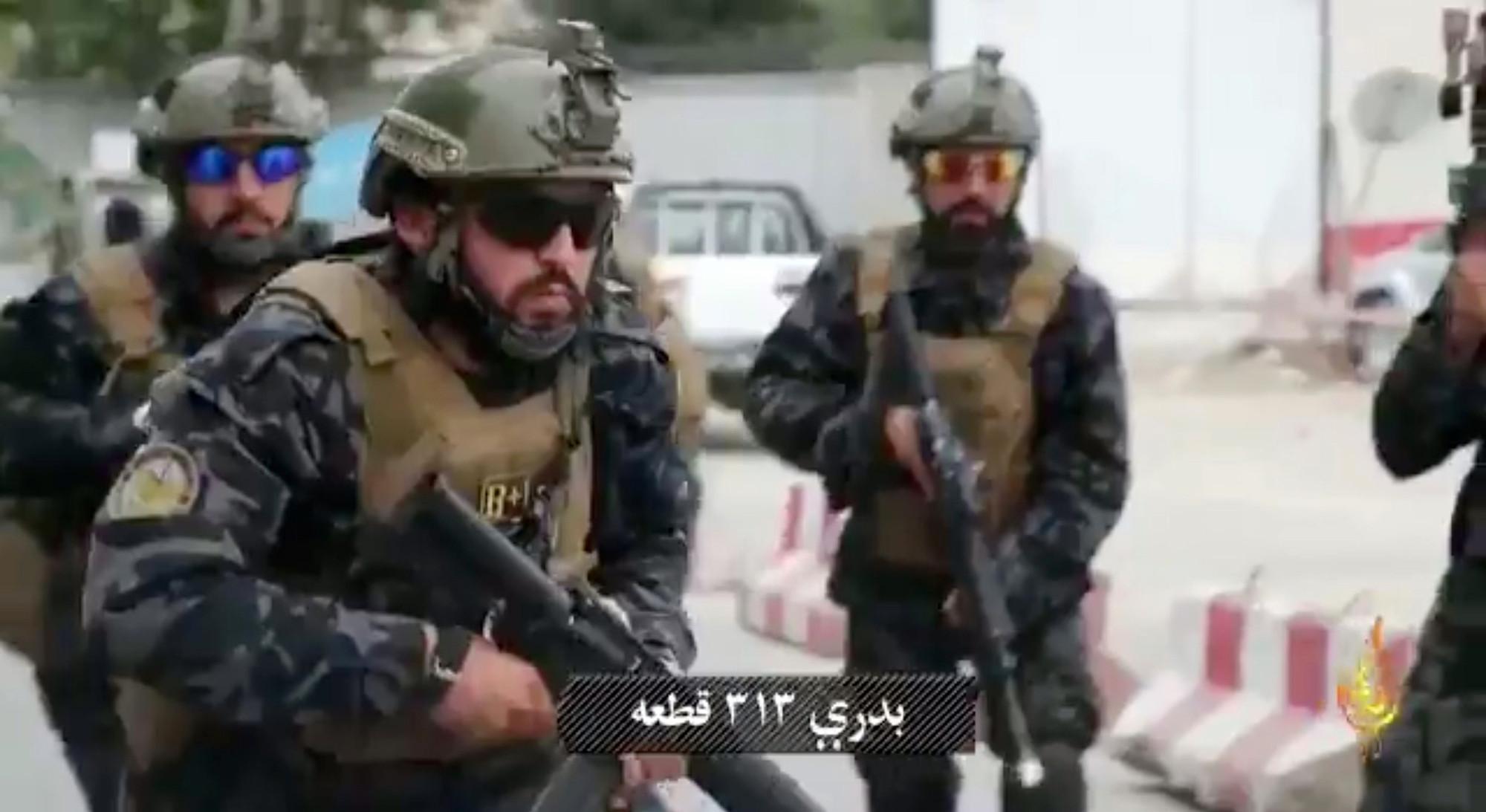 Nhìn các tay súng Taliban, ngỡ là đặc nhiệm Mỹ