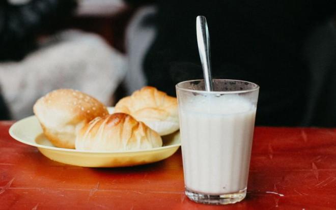 """5 """"đại kỵ"""" khi uống sữa đậu nành tự làm nhất định không được lặp lại"""