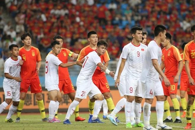 """Báo Trung Quốc chỉ ra """"tử huyệt"""" bất ngờ của đội tuyển Việt Nam"""