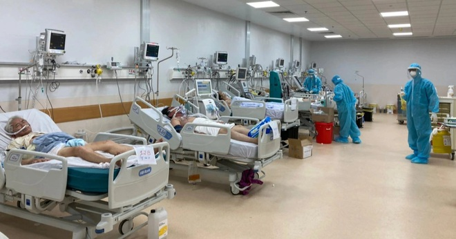 TPHCM: Khẩn cấp xây dựng hệ thống khí oxy điều trị Covid-19