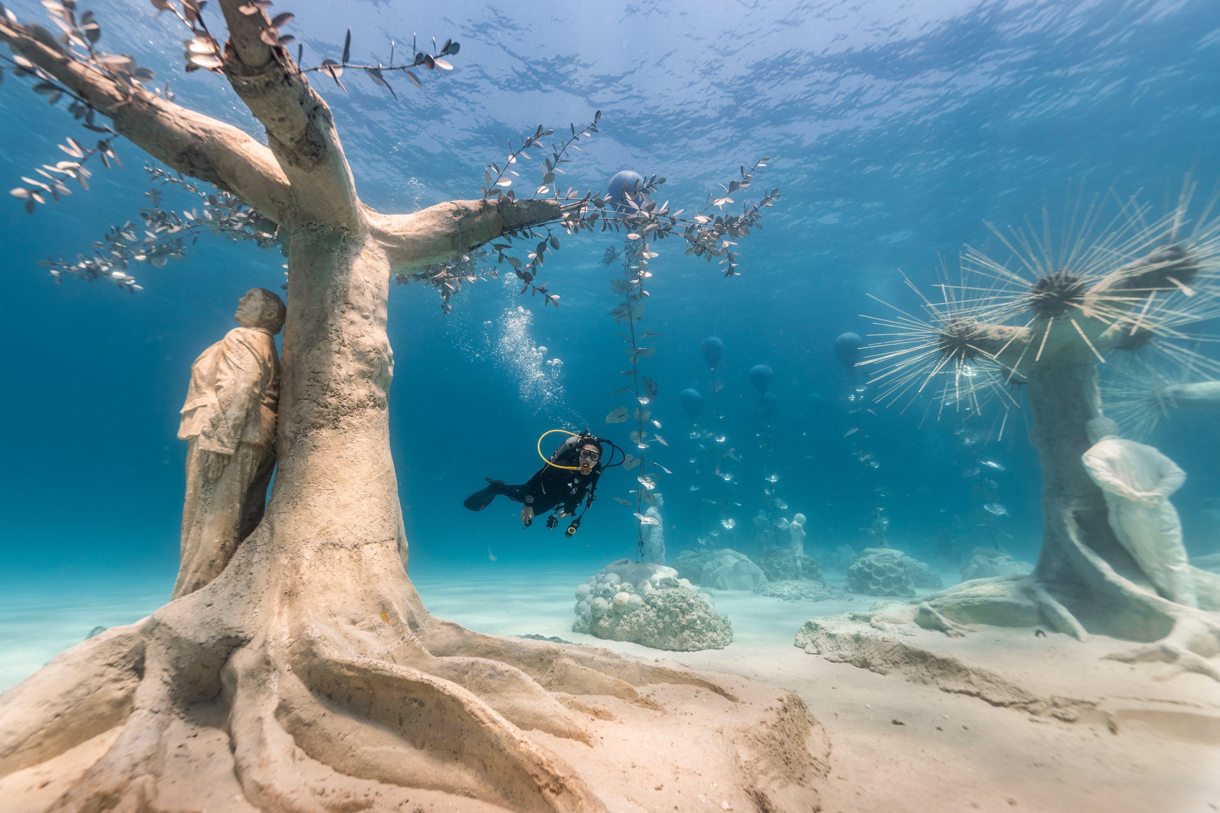 Khu rừng điêu khắc dưới nước ở đảo Síp