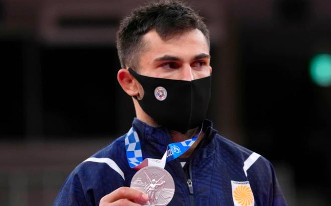 Võ sĩ Georgia giành HCB Olympic 2020 bị trục xuất vì lý do khó đỡ