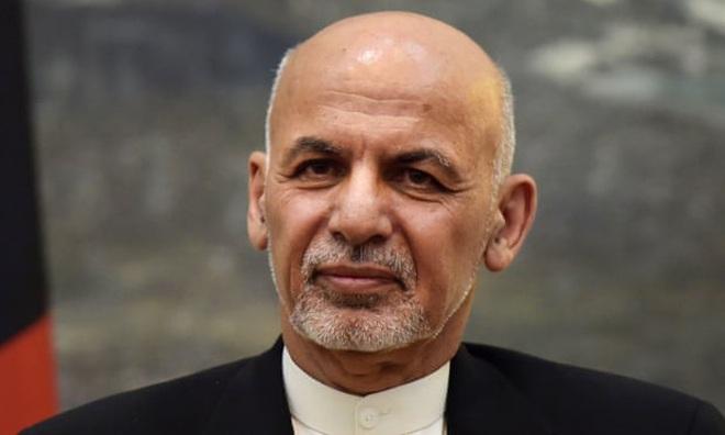 Tổng thống Afghanistan lần đầu lên tiếng sau khi rời đất nước