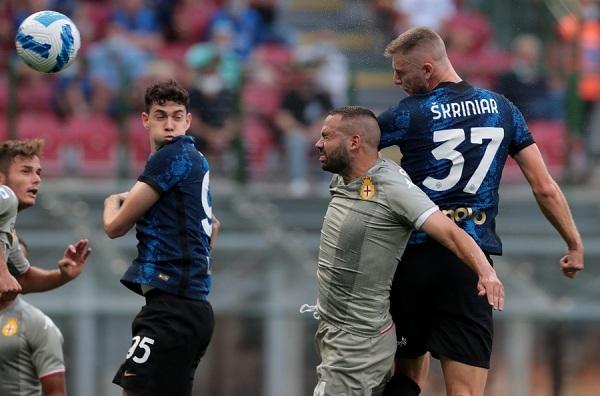 Cặp tân binh tỏa sáng, Inter Milan ra quân tưng bừng