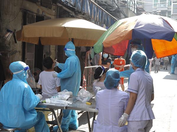 """Dịch Covid-19 Hà Nội sáng 31/8: """"Ổ dịch"""" phường Thanh Xuân Trung có 311 ca dương tính SARS-CoV-2"""
