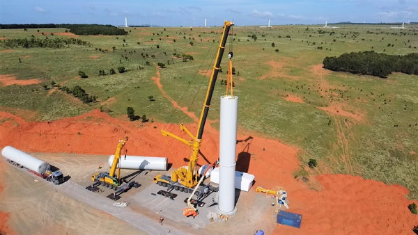 Nhà máy điện gió Thái Hòa nỗ lực thi công, đảm bảo mục tiêu kép