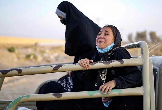 """Báo cáo kinh hoàng: Taliban thiêu sống 1 phụ nữ vì """"nấu ăn dở"""", bắt thiếu nữ làm nô lệ tình dục"""