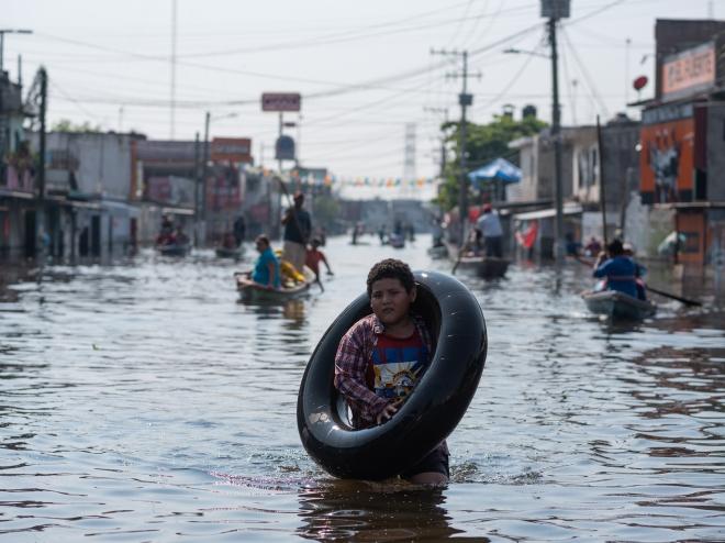 Bão Grace mạnh lên thành siêu bão, hướng tới bờ biển của Mexico