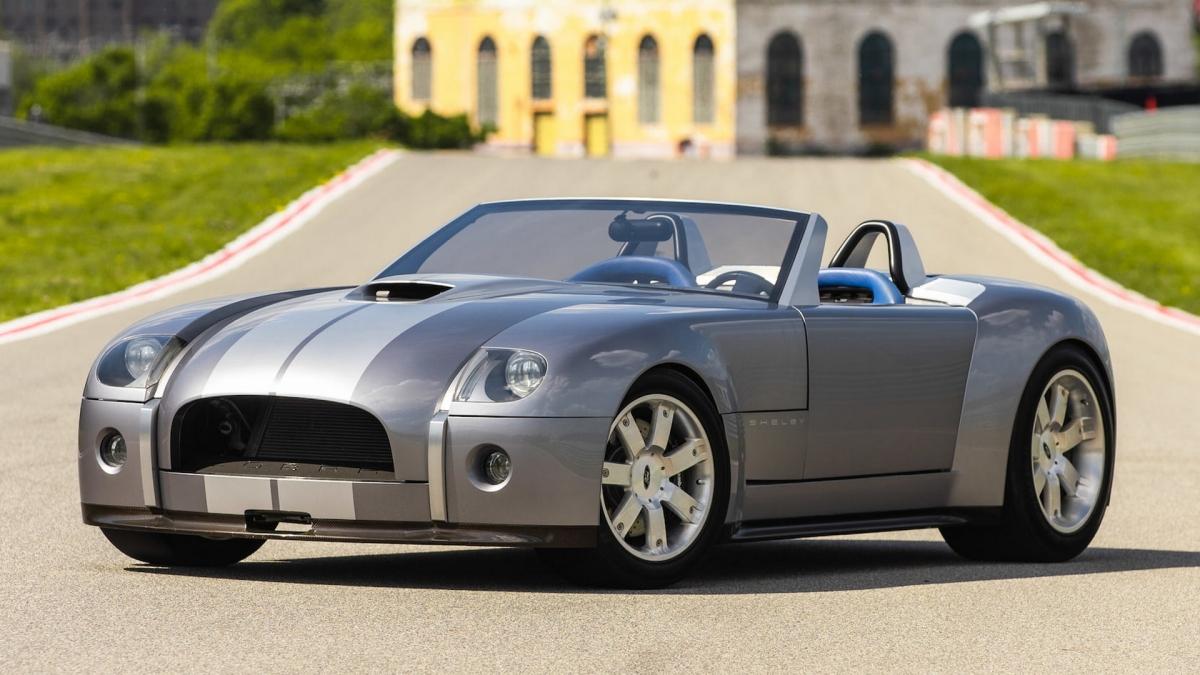 Sau 17 năm ra mắt, Ford Shelby Cobra Concept được bán với giá 2,64 triệu USD