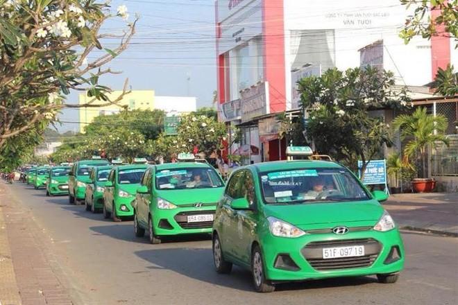 Hà Nội cho phép 200 xe taxi Mai Linh hoạt động trong thời gian giãn cách