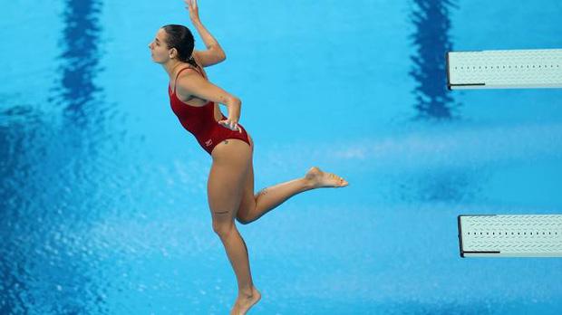 VĐV Olympic có pha nhảy cầu đáng quên với toàn điểm 0, lời giải thích của cô nàng sau đó khiến fan vừa cảm thông, vừa cực kỳ tự hào