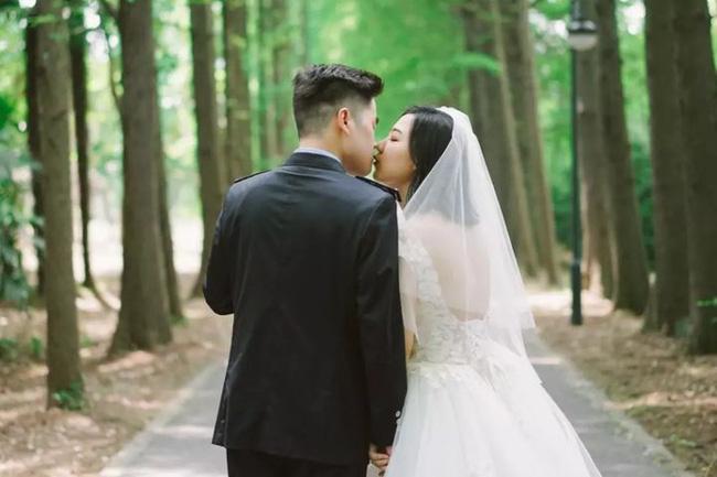"""Vợ chọn thuê váy cưới đắt đỏ, chồng xị mặt than: """"Lần trước kết hôn cũng chẳng tốn thế này"""", ngay tức khắc anh ta phải trả giá đắt!"""