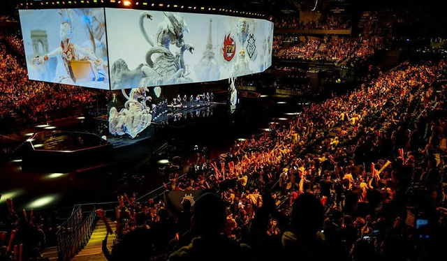 Mất tư cách chủ nhà CKTG 2021, fan LMHT Trung Quốc lại bất ngờ ủng hộ nhiệt liệt quyết định của Riot Games vì 2 lý do