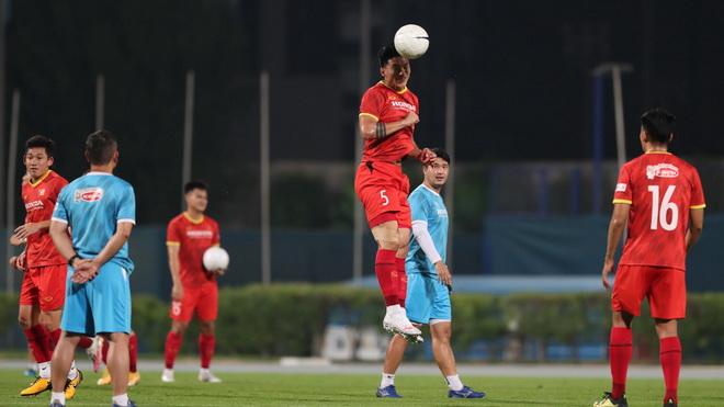Văn Hậu tiếc nuối khi phải chia tay đội tuyển Việt Nam