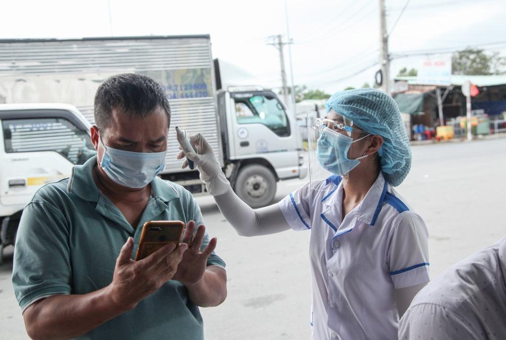 """Tây Ninh: 5.000 lao động tại 95 DN """"3 tại chỗ"""" được giải quyết nguyện vọng về nhà"""