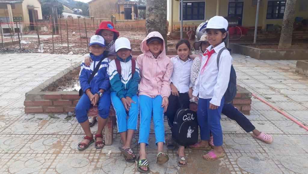 Sau 1 tháng bị bùn vùi, 2 trường cuối cùng của Quảng Trị đón học sinh trở lại