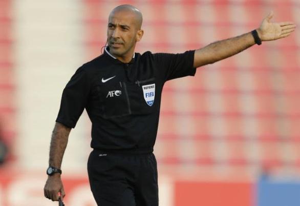 """Cựu """"còi vàng"""" Việt Nam lên tiếng về trọng tài trận gặp UAE"""