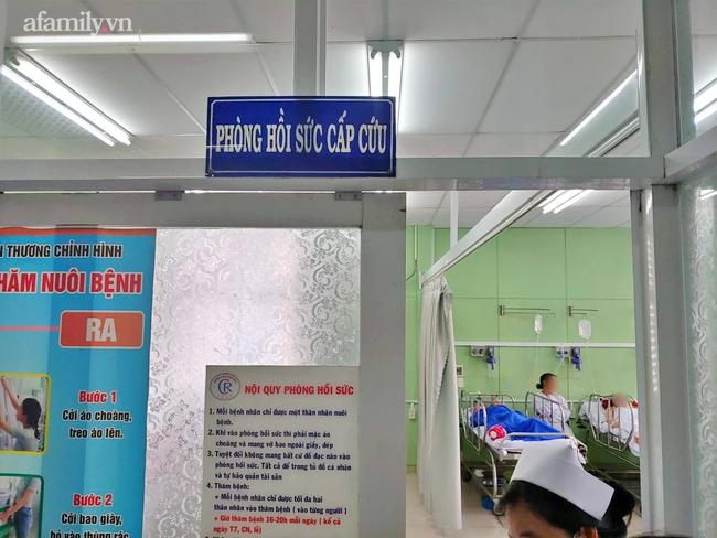 Ca sĩ Phi Nhung mắc COVID-19 nặng, chuyển vào Bệnh viện Chợ Rẫy trong đêm