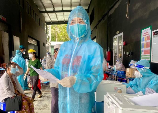 MC Quỳnh Hoa kể về bông hoa đặc biệt tại bệnh viện dã chiến TP.HCM