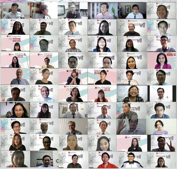 Đại học Văn Lang tổ chức thi năng khiếu trực tuyến cho hơn 2.000 sinh viên