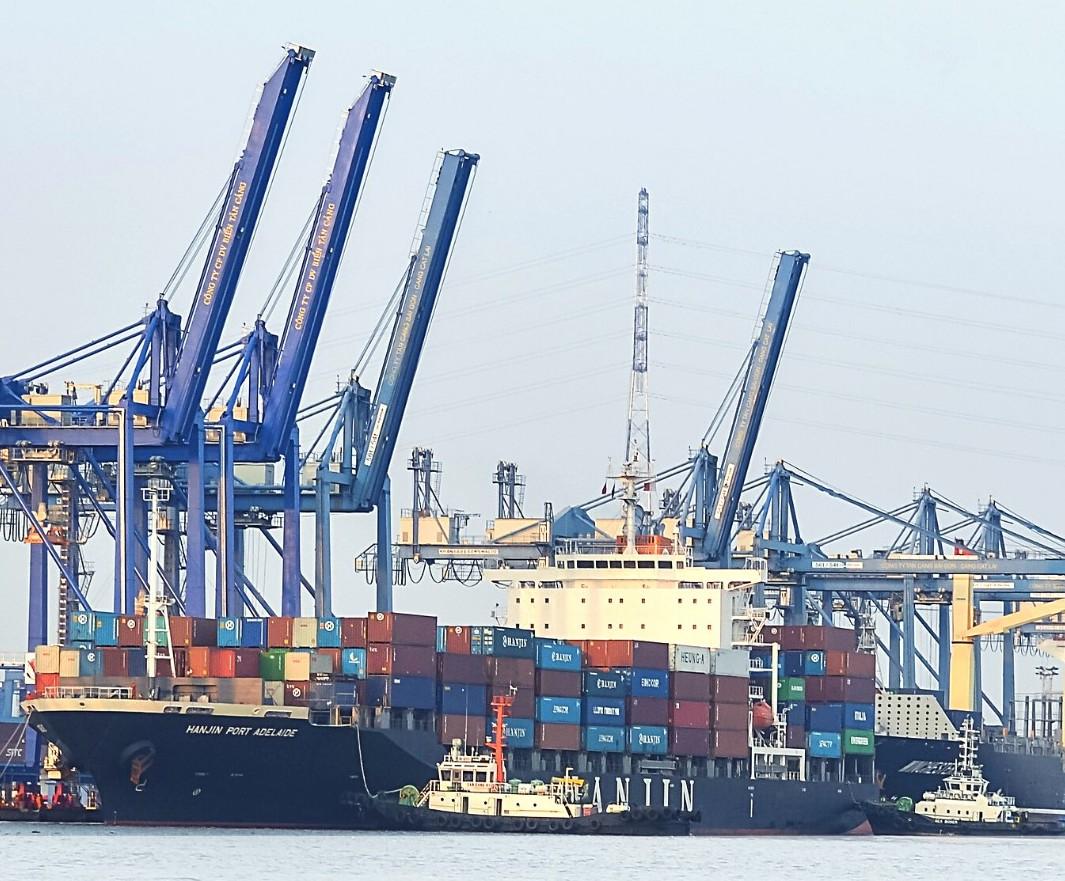 Tân cảng Sài Gòn miễn phí một số dịch vụ khi khách lấy hàng tại cảng