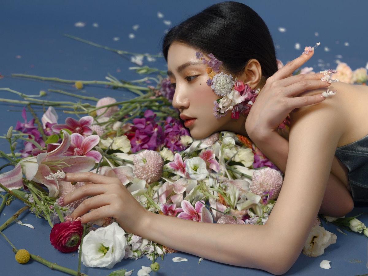 Vượt mặt Lê Bảo Bình, Em hát ai nghe của Orange 'chễm chệ' top 1 Trending Music