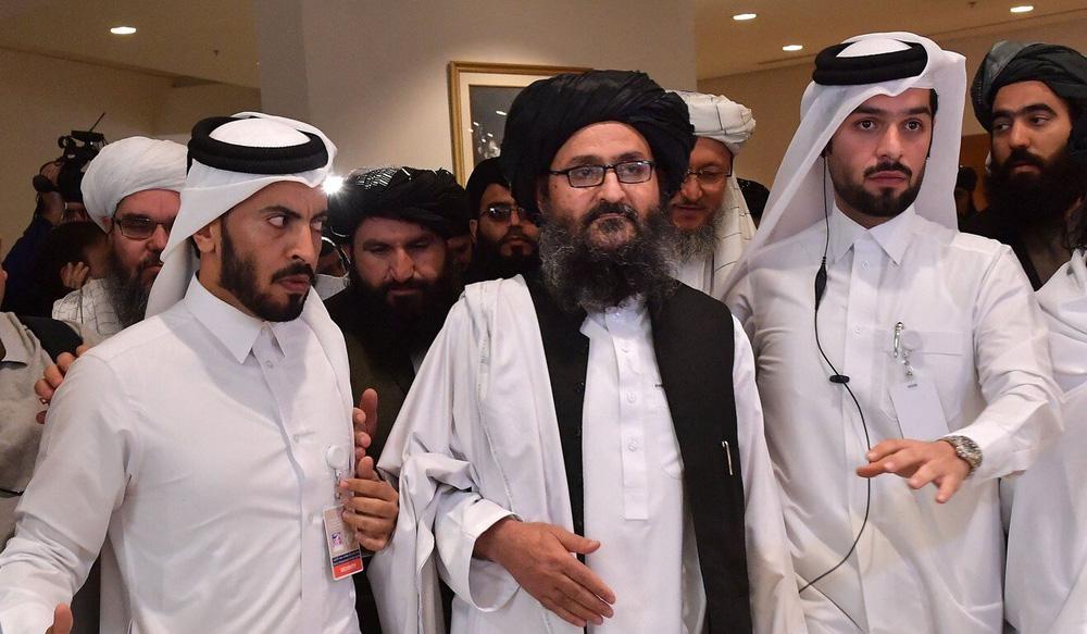 Sự chú ý đổ dồn vào 1 thủ lĩnh Taliban: 20 năm lưu vong và bước ngoặt mang tên Donald Trump