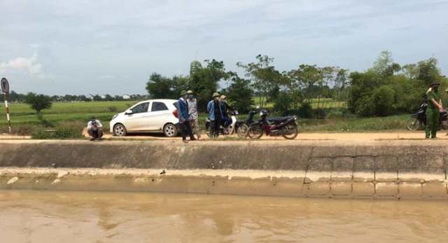 Nghệ An: Bất thường chiếc ô tô đỗ cạnh bờ sông, tìm thấy thi thể 1 phụ nữ