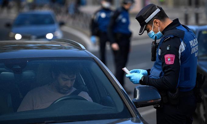 Madrid kích hoạt tình trạng khẩn vì Covid-19