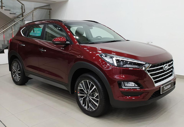 Hyundai Tucson giảm giá gần 100 triệu đồng tại đại lý: Giá thấp nhất từ trước tới nay, động thái dọn kho đón phiên bản mới