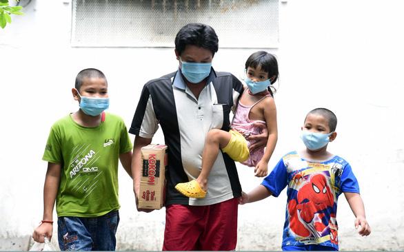 """Hơn 1.500 trẻ mồ côi vì dịch COVID-19 ở TP.HCM là vấn đề """"y tế khẩn cấp"""""""