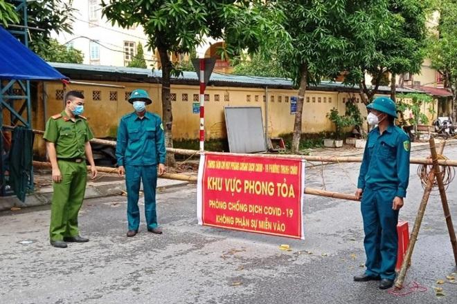 Đề nghị Bộ Quốc phòng và 3 tỉnh, thành hỗ trợ chặn dịch bùng phát ở Hà Nam