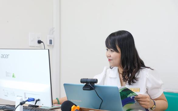 ĐH Kinh tế – tài chính TP.HCM quy định: Bật camera suốt buổi học trực tuyến