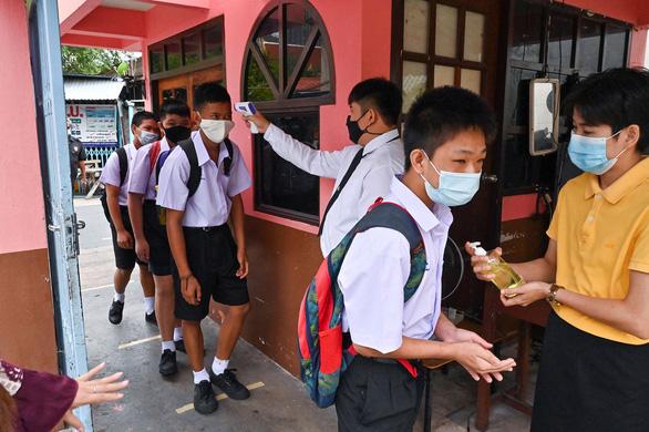 Thái Lan bồi thường nếu trẻ bị tác dụng phụ vắc xin COVID-19