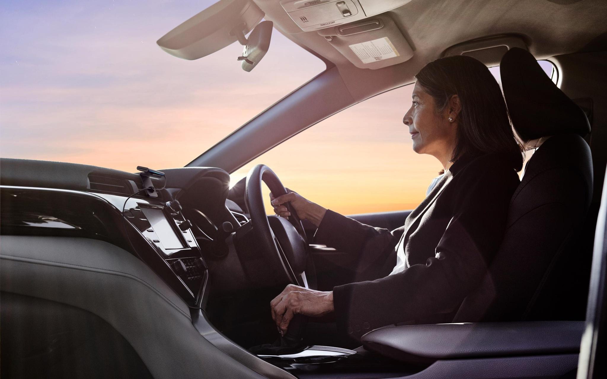 Amazon thêm tính năng bảo mật xe hơi cho trợ lý ảo Alexa