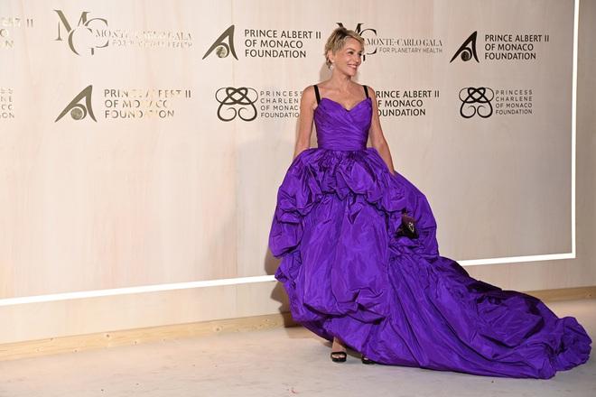 """Minh tinh phim """"Bản năng gốc"""" Sharon Stone vẫn trẻ đẹp ở tuổi 63"""