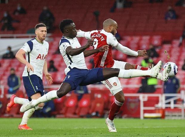 Alan Smith hiến kế cho Arsenal về 2 điểm yếu nơi hàng thủ Tottenham